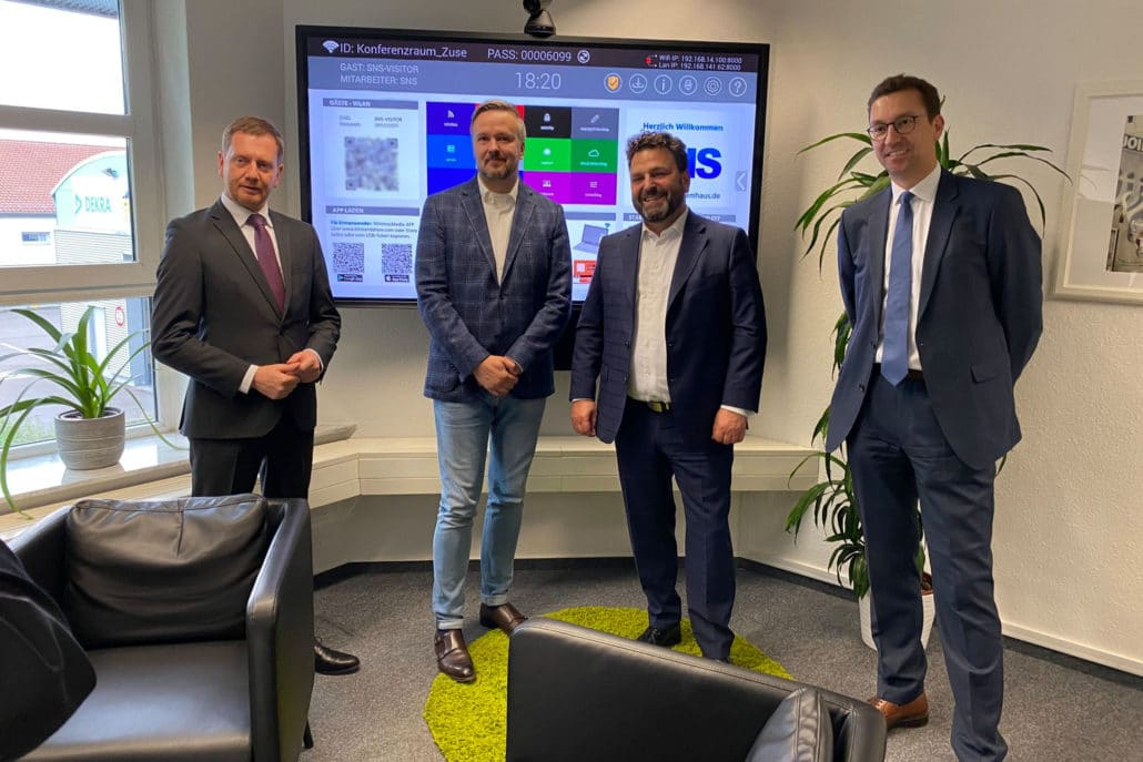 Ministerpräsident Michael Kretschmer zu Besuch bei Saxonia Network Systems GmbH